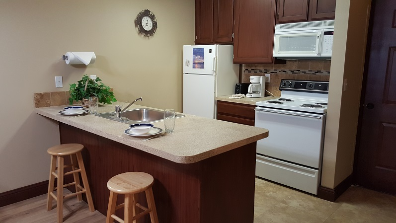 http://www.bearlakelodging.com/custimages/108kitchen.JPG