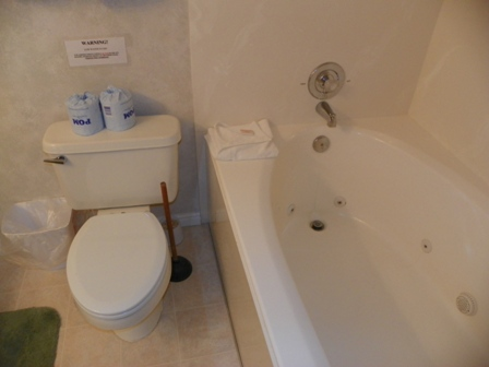 http://www.bearlakelodging.com/custimages/9764bath2.JPG
